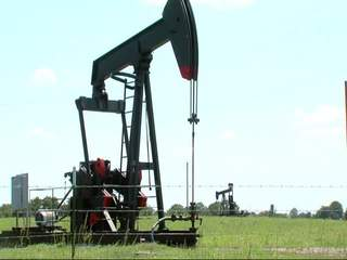 Residents oppose oil wells