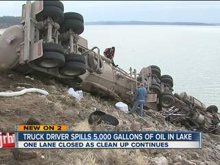 Tanker spills 5,000 gallons of crude oil into Keystone Lake