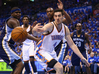 Thunder sign Nick Collison to multi-year deal