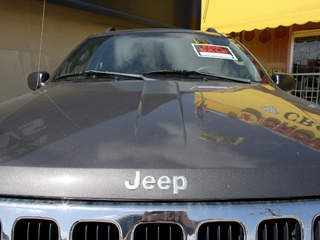 Jeep recalls 228K Cherokees for air bag problem