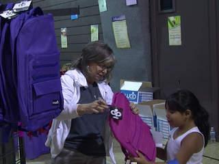 Glenpool church gives away backpacks