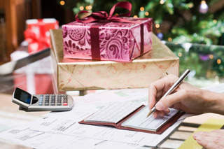 Holiday tips for staying on budget