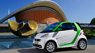 The 2013 smart fortwo has a lot to say