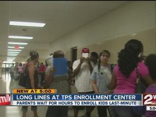 Long lines for last-minute enrollment at TPS
