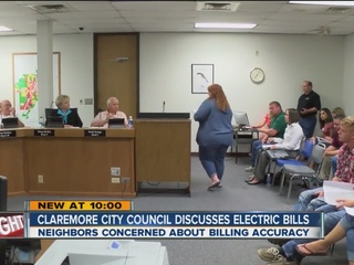 Neighbors take electric bill complaints to city