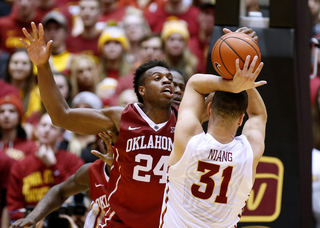 #1 Sooners fall to #19 Cyclones, 82-77