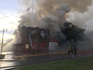 Crews on scene of bldg fire in Sand Springs