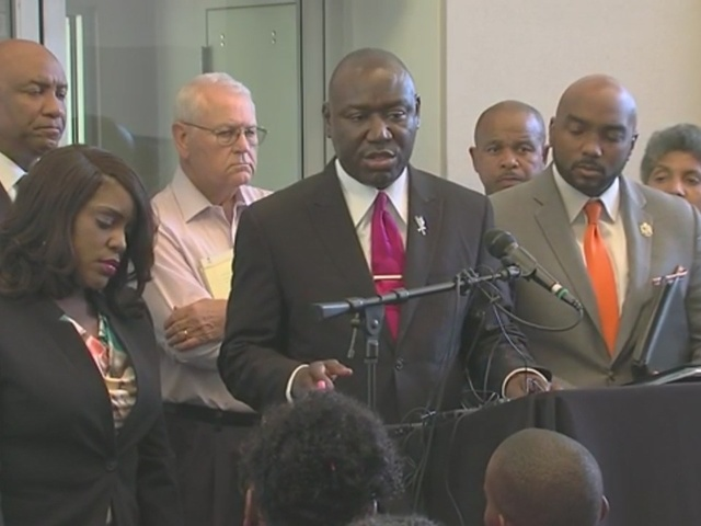 Attorney Benjamin Crump in Tulsa for officer involved fatal shooting of…