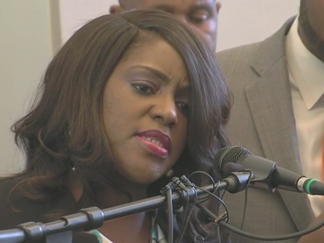 Terence Crutcher twin sister, Tiffany, talks about her brother, who was…