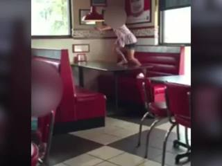 Kids running barefooted in restaurant goes viral