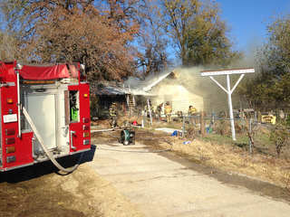 6 dogs killed, firefighter injured in house fire
