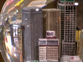 Two businesses sell Tulsa Christmas decorations