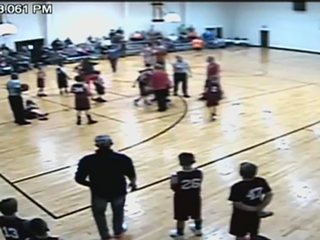 http://media2.kjrh.com/photo/2016/12/26/Players__parents_fight_at_Dewey_basketba_1_32381167_ver1.0_640_480_1482787549246_52114371_ver1.0_320_240.jpg