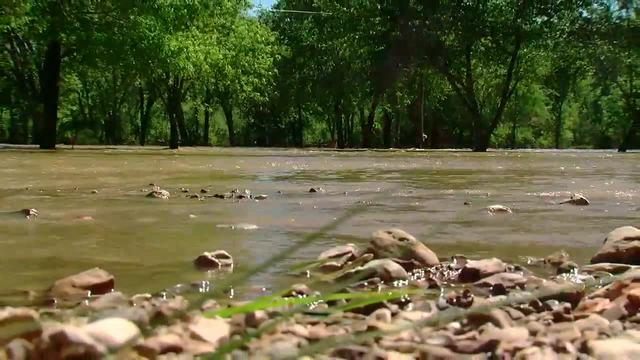 Heavy rainfall leads to record breaking flood levels in mid-Missouri