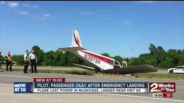 Small plane makes emergency landing