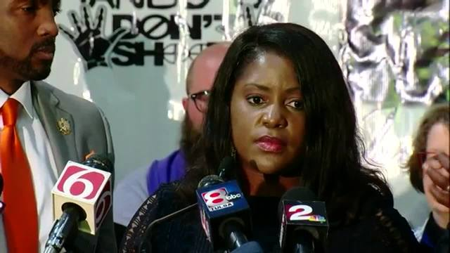 Terence Crutcher-s family holds press conference