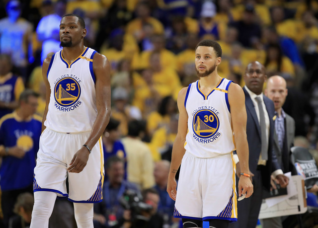 Warriors splatter Spurs with Durant taking over