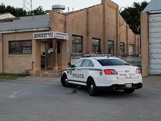 Tulsa Police: Man spills acid during burglary