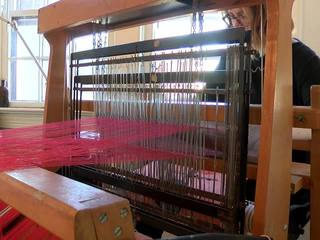 Tulsa woman launches business with her own loom