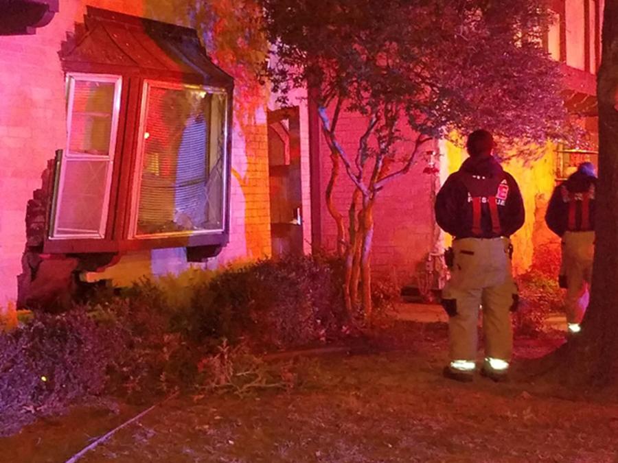 Tulsa Police Car Crashes Into Swiss Rolanda Apartments In Midtown Tulsa Saturday Morning