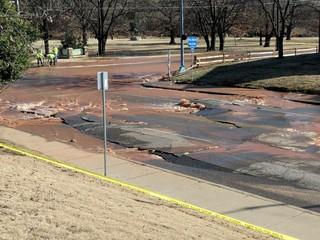 Massive water line break in midtown Tulsa
