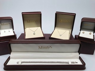 CONTEST: Jewelry from Moody's Jewelry