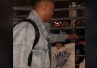 Thunder fans greet team at airport