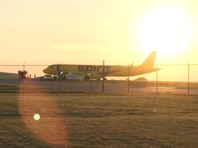 Spirit airline plane diverted to tulsa from new york city for Spirit airlines new york